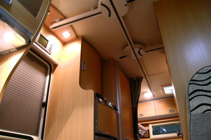Laika-Keros-EasyRail-0005 - Visione d'insieme del percorso dove sono messi in evidenza i due scambi per acceso a bordo e ingresso al vano toilette