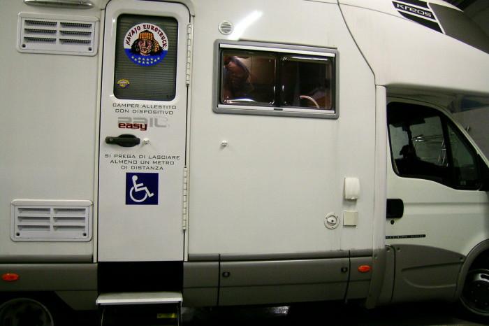 Laika-Keros-EasyRail-0009 - Fiancata destra del veicolo che mostra la porta d'accesso come in origine