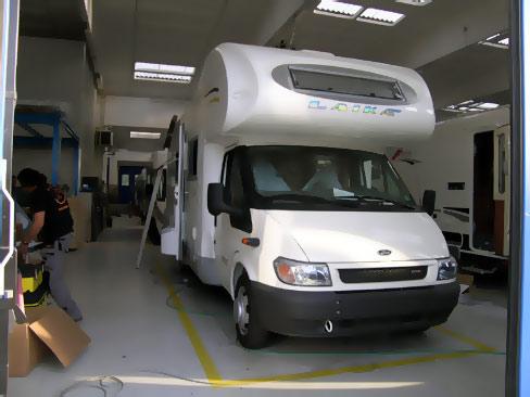 Lavorazione - L' esterno del veicolo durante la lavorazione.