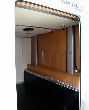 Quicklift-RimorKatamarano5-3 - Vista dal gavone letto in alto