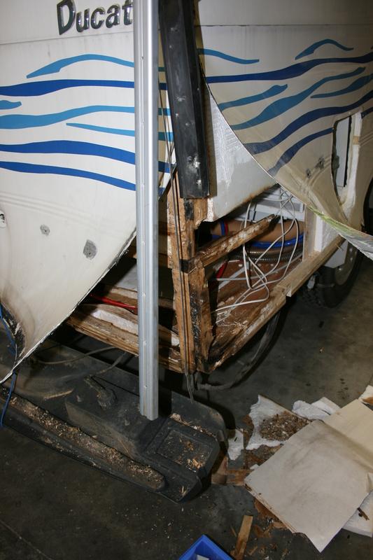Riparazioni strutturali ippocamper for Arredamento per camper